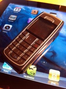 Broken iPhone - Old Nokia